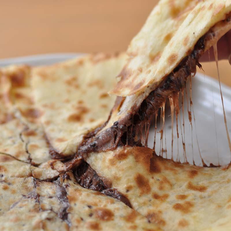 チョコレートチーズナン Cho.C.N
